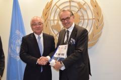 国連署名提出 (17)